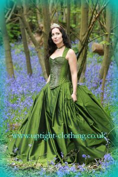 Oh this green, forest wedding dress is beautiful