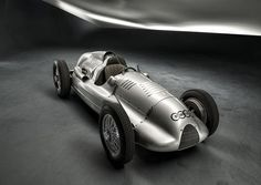 1938 and 1939 Auto Union Type D Grand Prix Racers. This summer, Audi filled a gaping hole in their historical collection when they acquired a twin-supercharged Grand Prix, Vintage Racing, Vintage Cars, Vintage Sport, Vintage Auto, Antique Cars, Automobile, Auto Union, Courses