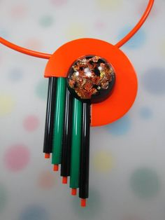 ACRYLIC AND RESIN NECKLACE. www.simonmower.com