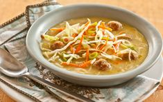 Mini Meatball Noodle Soup- Asian-inspired soup, Everyone will love the meatballs and noodles in broth with tangy, crunchy veggies that make it a one-bowl meal. Whole Food Recipes, Soup Recipes, Dinner Recipes, Healthy Recipes, Healthy Meals, Delicious Meals, Recipies, Hcg Recipes, Chowder Recipes