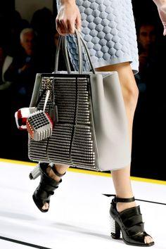 Fendi 2Jours bag grigia