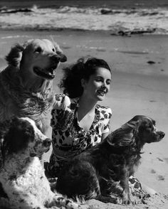 Liz Taylor & her dogs