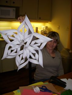paper star- pretty easy and can be colored or decorated however. Christmas Math, Christmas Paper Crafts, Diy Christmas Ornaments, Winter Christmas, Holiday Crafts, Christmas Decorations, Fun Crafts To Do, Cute Crafts, Crafts For Kids