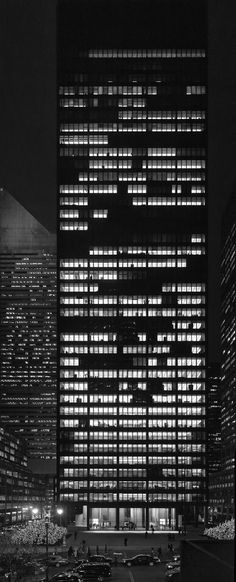 US, New York (NY), Seagram Building. Architect Mies van der Rohe with Philip Johnson, Photographer Woody Cambell. Philip Johnson, Ludwig Mies Van Der Rohe, Gothic Architecture, Interior Architecture, Bauhaus, Seagram Building, Modern Love, Brutalist, Modern Buildings