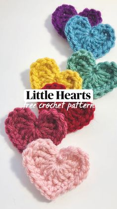 Crochet Applique Patterns Free, Crochet Motif, Crochet Designs, Free Crochet Flower Patterns, Crochet Accessories Free Pattern, Crochet Butterfly Free Pattern, Crochet Ideas, Crochet Flower Tutorial, Easy Crochet Flower
