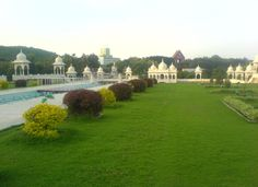 Ramoji Film City (Hyderabad) They say the Film City is built on the war grounds of Nizam Sultans. Many paranormal activities have been reported in the Film City in the past, like things moving, mirrors with different marks in Urdu language, torn clothes, etc.