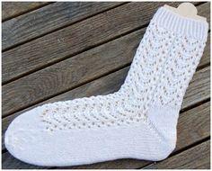 "Free instructions (German) with knitting script for the socks in the knitting pattern ""Aquari … – socken stricken Crochet Socks, Knit Or Crochet, Knitting Socks, Hand Knitting, Knit Socks, Knitting Videos, Knitting Projects, Baby Knitting Patterns, Crochet Patterns"