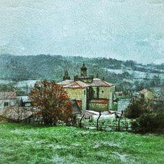#Monasterio de #Montederramo bajo la #nieve en la #RibeiraSacra #Ourense #Galicia #Spain  Photo by acastineira