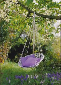 I would love to snuggle up in this swing chair