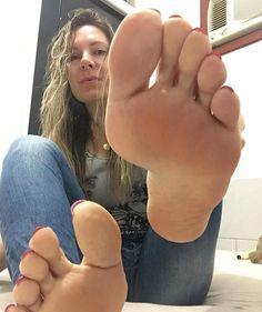 Sexy feet thumbs