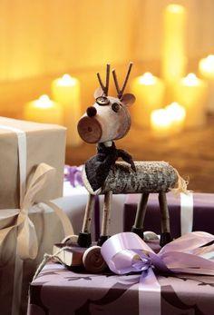 Petit renne en bois de récup' bouton et pot de fleurs, pour une décoration de Noël sur la table ou le sapin