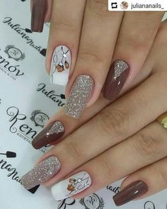 In order to provide some inspirations for nails red colors for your long nails in this winter, we have specially collected more than 80 images of red nails art designs. Fancy Nails, Red Nails, Cute Nails, Long Nail Art, Long Nails, Fabulous Nails, Perfect Nails, Ongles Beiges, Nagel Hacks