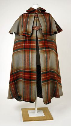 plaid wool cape, 1901. I would wear this everyday.
