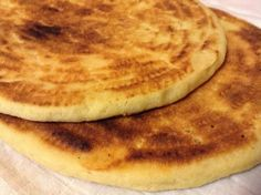Algerien kisra with baking powder. International Recipes, Hamburger, Ajouter, Baking, Breakfast, Ethnic Recipes, Pizza, Brioche Bread, Pastries