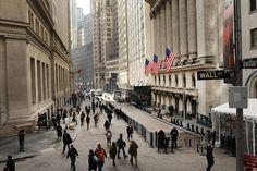 Investors Look Past Headlines as Bull Market Roars Ahead