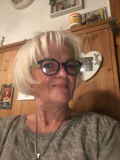 Elisabeth Kurnik Golden Retriever, Amalfi, Cat Eye, Eyes, Retriever Dog, Puppys, Pet Dogs, Animales, Cat Eyes