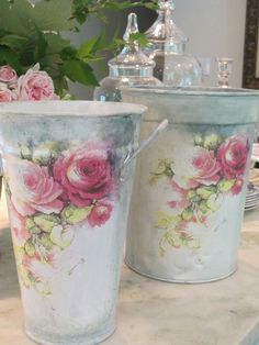 11 Stunning Flowers That Thrive in Shade - growing roses in a shade garden, flowers, gardening, hydrangea, landscape - Garden Frogs, Garden Art, Tin Can Crafts, Growing Roses, Shabby Chic Crafts, Decoupage Vintage, Plant Design, Container Plants, Vintage Roses