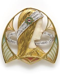 An art nouveau plique-á-jour enamel, ivory and diamond pendant/brooch, Masriera y Carreras, circa 1915.