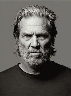 Jeff Bridges by Mark Seliger. (via Jeff Bridges by Mark. Jeff Bridges, Lloyd Bridges, Foto Portrait, Portrait Photography, Light Photography, Man Portrait, Photography Tips, Fotografia Pb, Men With Grey Hair