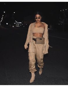 Creme / Nude Outfit Inspo Herbstmode The post Creme / Nude Outfit Nude Outfits, Trendy Outfits, Fall Outfits, Fashion Outfits, Womens Fashion, Fashion Trends, Urban Fashion Women, Runway Fashion, Fashion Inspiration