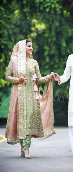 Trendy Wedding Dresses Pakistani Color Combos Source by dress pakistani Pakistani Formal Dresses, Pakistani Wedding Outfits, Pakistani Bridal Dresses, Wedding Dresses For Girls, Pakistani Wedding Dresses, Indian Dresses, Indian Outfits, Nikkah Dress, Shadi Dresses