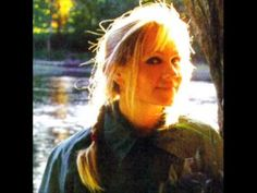 Sad Slow Songs: Eva Cassidy - Fields Of Gold .... i just ache when i   listen to her sing. for her short life for the memories her voice evokes in my life. sigh....some treasures leave too soon