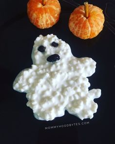 Think you cant make food art? Think again! Look how easy this cottage cheese ghost is?!  #foodart #halloweenfoodart #halloweenfood #halloweenfoodideas #easyfoodart #kidfriendlyfood #healthysnacksforkids #pickyeaters #healthymom #fitmom #healthandfitness #momhacks #healthandwellness #healthandnutrition #nutrition #healthymeals #healthymealplan #healthylife #fitnessfood #healthyeating