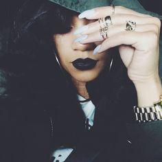 I love black lipstick Skin Makeup, Beauty Makeup, Hair Beauty, Urban Fashion, Look Fashion, Fashion Photo, Black Lipstick, Pretty Girl Swag, All Things Beauty