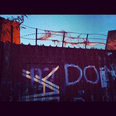 #HackneyWick #yard #graphics #lane #fence #industrial #sky #evening via @sparrow_tweets