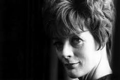 Early photo of Dame Maggie Smith - grace, elegance, confidence. That's beauty. English Actresses, British Actresses, Actors & Actresses, Maggie Smith Young, Companion Of Honour, London Icons, Jean Luc Godard, Judi Dench, Old Hollywood