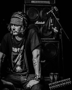 Johnny Depp wearing a Bad Brains t-shirt Johnny Depp Fans, Here's Johnny, Lemmy Bass, The Hollywood Vampires, Johnny Depp Pictures, Kentucky, Johny Depp, Hot Actors, Andrew Lincoln