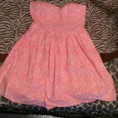 Strapless Dress Worn once for a baby shower. In perfect condition. Size large, but fits more like a medium. Make me an offer! No Boundaries Dresses Strapless
