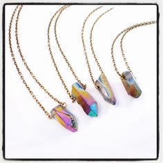 ♥ Create a bohemian look this season with this stunning rainbow aura necklace. A healing quartz pendant sits on a short vintage gold or silver chain
