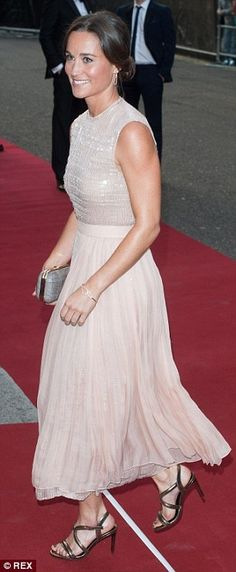 SPOTTED ! Pippa Middleton styling our Love at First Sight bracelet in rose gold <3