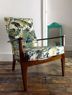 This mid century Parker Knoll chair delivers complete comfort and style. it has been newly reupholstered in a rare vintage palm fabric brought from Spitalfield Vintage Market, London. This chair would make for a great statement piece in any home. Chair Upholstery, Chair Fabric, Upholstered Furniture, Chair Cushions, Parker Knoll Chair, Knoll Chairs, Mid Century Chair, Mid Century Furniture, Upcycled Furniture