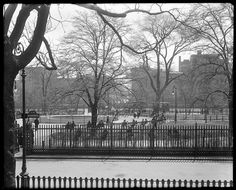 The Stuyvesant Square neighborhood is often confused with Gramercy Park or Stuyvesant Town, but it has its own unique blend of limited space, historic landmarks Stuyvesant Town, Cast Iron Fence, New York City Manhattan, Gramercy Park, Luxury Condo, My Kind Of Town, Vintage New York, Union Square, Park Photos