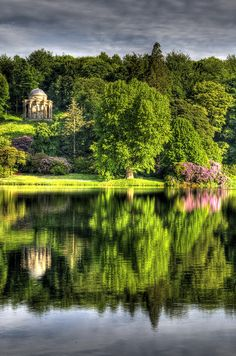The 15 Best National Trust Gardens to Visit this Spring by TheCultureTrip.com, click on the picture for a full list. Photo courtesy of Flickr