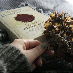 Czeka na mnie nowe mega czytadło - kolejna część serii Obca Diany Gabbaldon. Kto przeczytał ostatnie siedem tomów (każdy po mniej więcej tysiąc stron), bo ja tak! :) #książki #czytanie #dianagabbaldon #reading #reading_books #book #books #książka #spisane