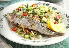 Als je alleen nog maar sardines in blik hebt geprobeerd, probeer dit makkelijke recept dan eens. Sardines zitten boordevol vitaminen, mineralen en vooral omega-3-vetzuren. Koop ze bij een visboer en vraag hem om de sardines voor je schoon te maken.