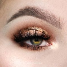 "KIMBERLEY VAN BEEK (@kmbrlee_beyoutiful) ""Soft glam eye makeup in gold & neutrals (brown), no liner"