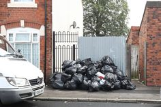 Council leader blames LAZY bin men not strike for piles of rubbish on Birmingham street - http://buzznews.co.uk/council-leader-blames-lazy-bin-men-not-strike-for-piles-of-rubbish-on-birmingham-street -
