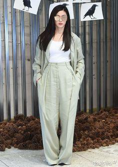 Actress Jeon Ji Hyun at Gentle Monster event Young Fashion, Fashion 101, Japan Fashion, Korean Fashion, Fashion Trends, Asian Actors, Korean Actresses, Jun Ji Hyun Fashion, Kpop Outfits