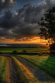 "Country Living ~ After the Storm Sunset by Tom Lussier Photography. ""Short Hill Mountain in the background. The misty clouds over the mountain on the left often appear right after a downpour. Beautiful World, Beautiful Places, Beautiful Pictures, Country Life, Country Roads, Living In The Country, North Country, Landscape Photography, Nature Photography"