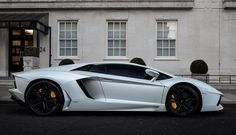 Still one of the best looking supercars out there #hypercars