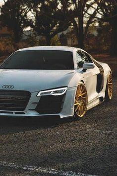 #Audi R8 With Custom #Gold Wheels
