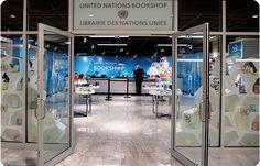 BUILD @modular @shelving @UNITED NATIONS Bookshop in New York.  Photo Lindsey Thoen, UN-photo
