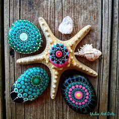 #YuliaArtDots #seastar #pebbles #rocks #stones #seatreasures #seashells #dots #dotting #dottilism #turquoise #mandala #dotart #pink #blackpebble #art #myart #nature #sea