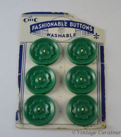 Vintage Le Chic 6 Buttons Made in the USA in Green Color