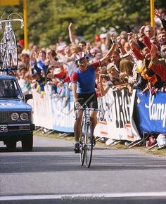 Cycling - 1982 UCI Road World Championships - Women's Road Race Great Britain's Amanda 'Mandy' Jones crosses the line to win the race at Goodwood