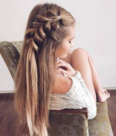 Braided hairstyle inspiration,Boho hairstyles,Chic Hairstyle inspiration,Prom hairstyles,Easy and Chic Hairstyles for Long Hair